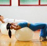 Упражнения с мячом: фитбол для женщин